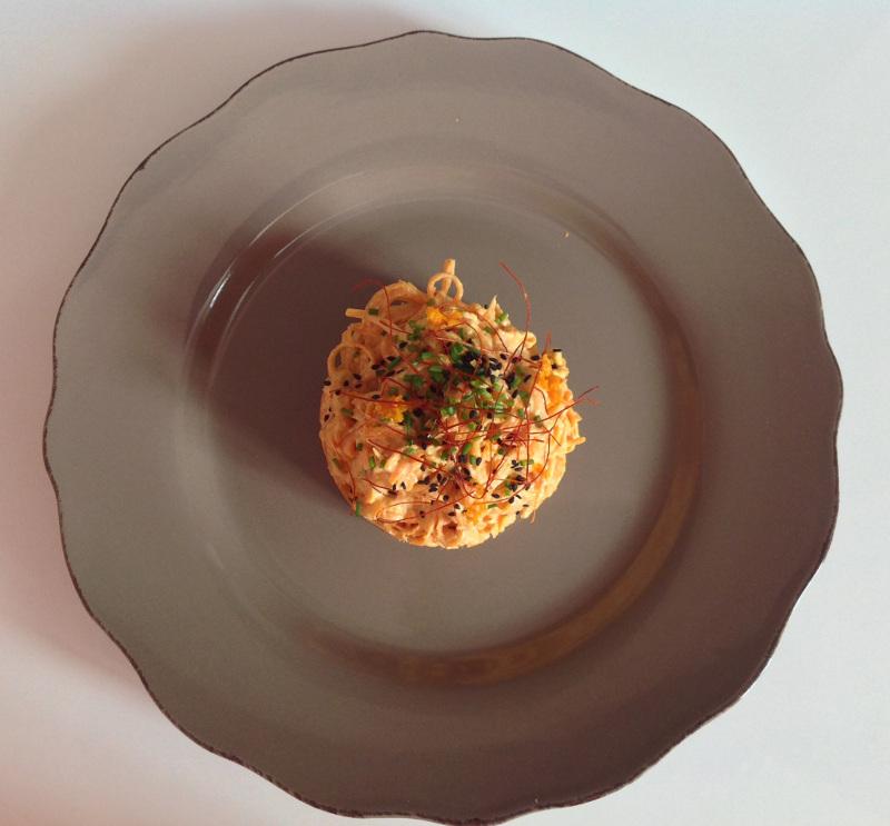 Piatto di Tagliolini di zucca alla panna crudista visto dall'alto